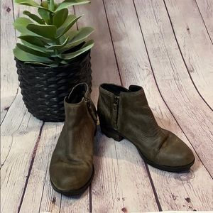 Sorel Lolla buckle strap ankle bootie boot brown 6